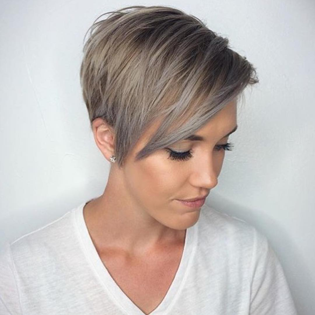 grey-pixie-cuts-for-winter